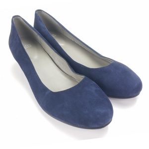 Eileen Fisher Blue Suede Heel Pump Round Toe